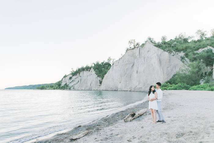 Scarborough_Bluffs_Engagement_Photo