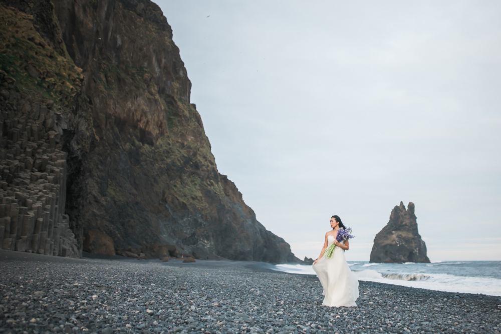 iceland_black_sand_beach_reynisfjara_wedding_photos