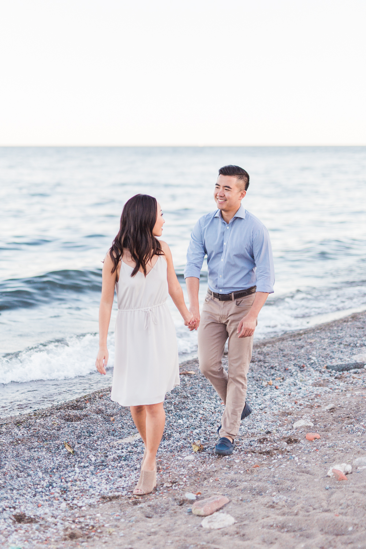 romantic_beach_engagement_photos-rhythm_photography