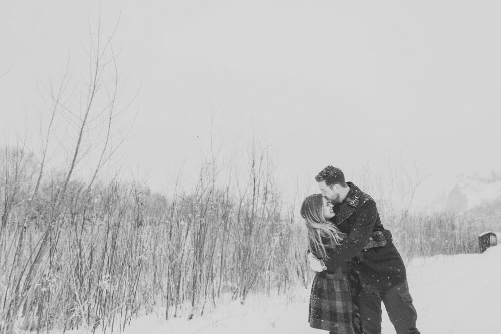 Scarborough_Bluffs_Engagement_Photo