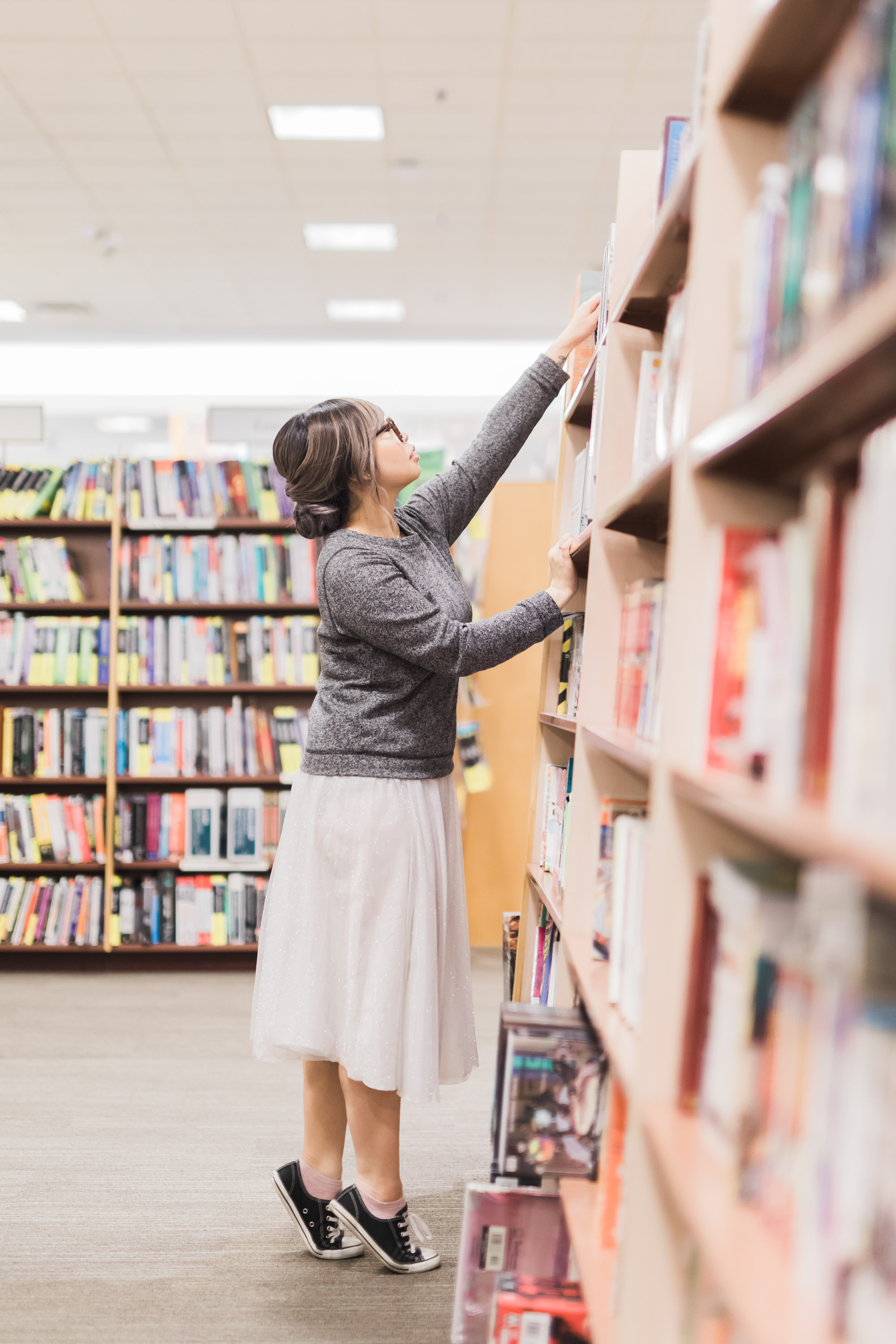 Toronto_Bookstore_Chapters_Engagement_Photos