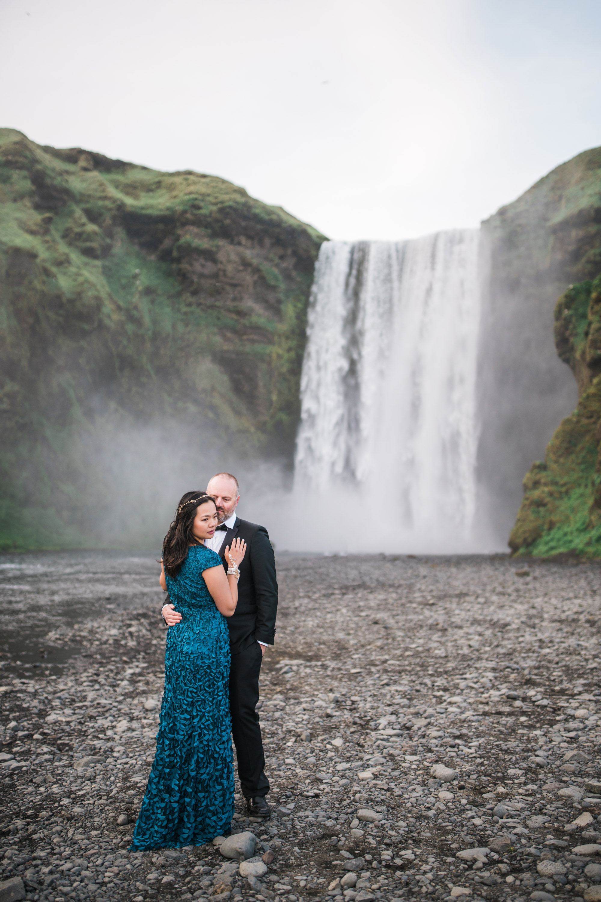 Iceland_Wedding_Elopement_Photos_Skogafoss