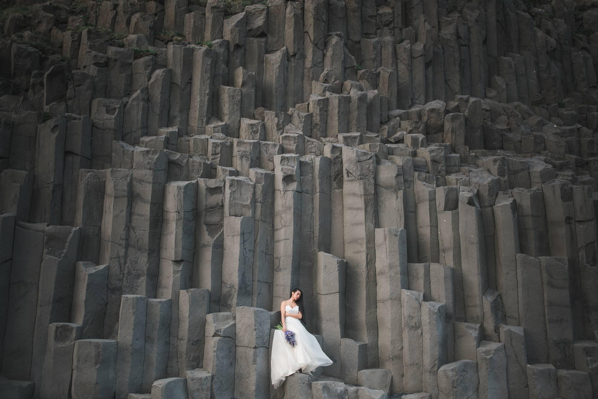 Black_Sand_Beach_Iceland_Wedding_Photos_Destination_Wedding_Photographer
