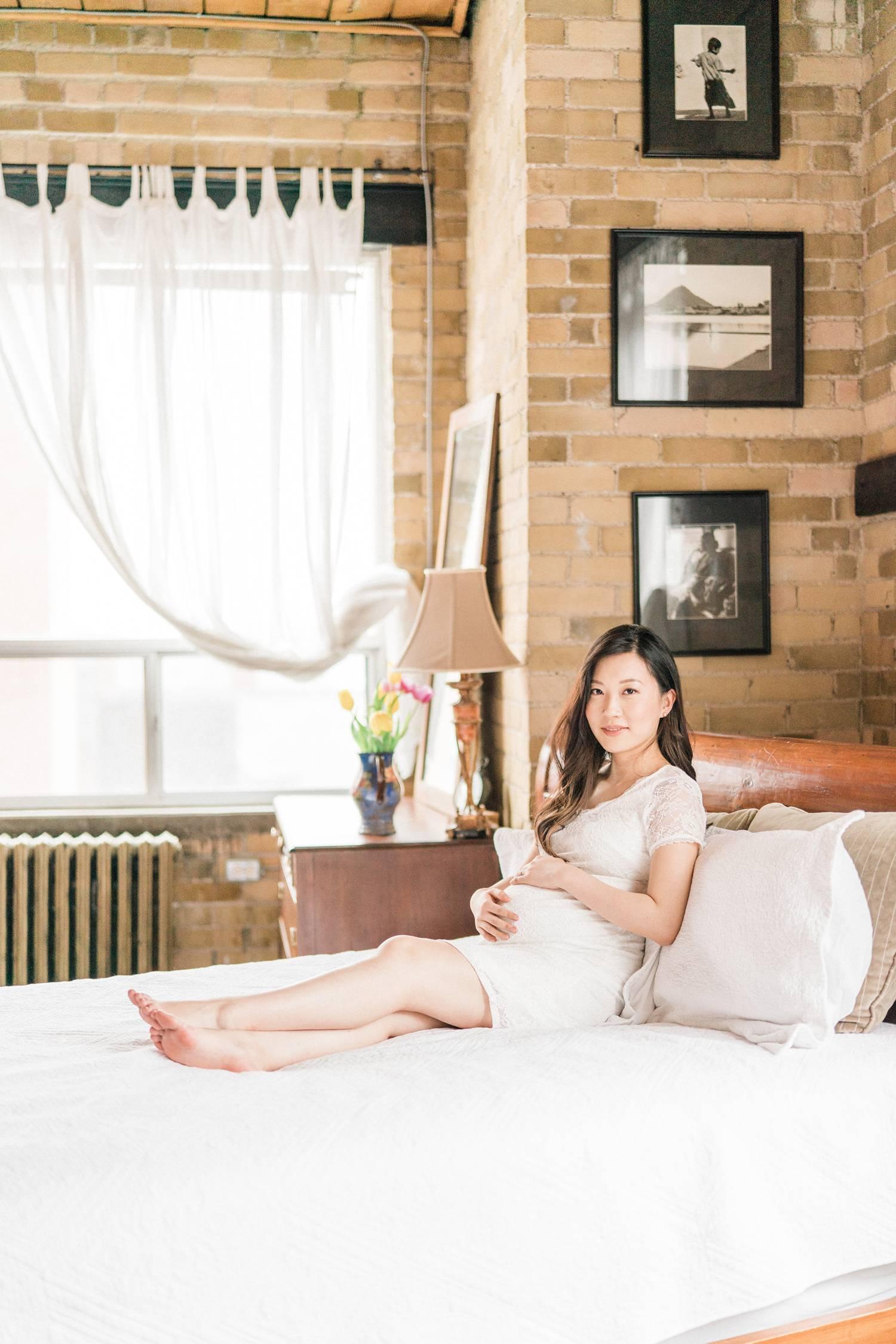 Bon Soleil Studio Indoor Maternity Photo