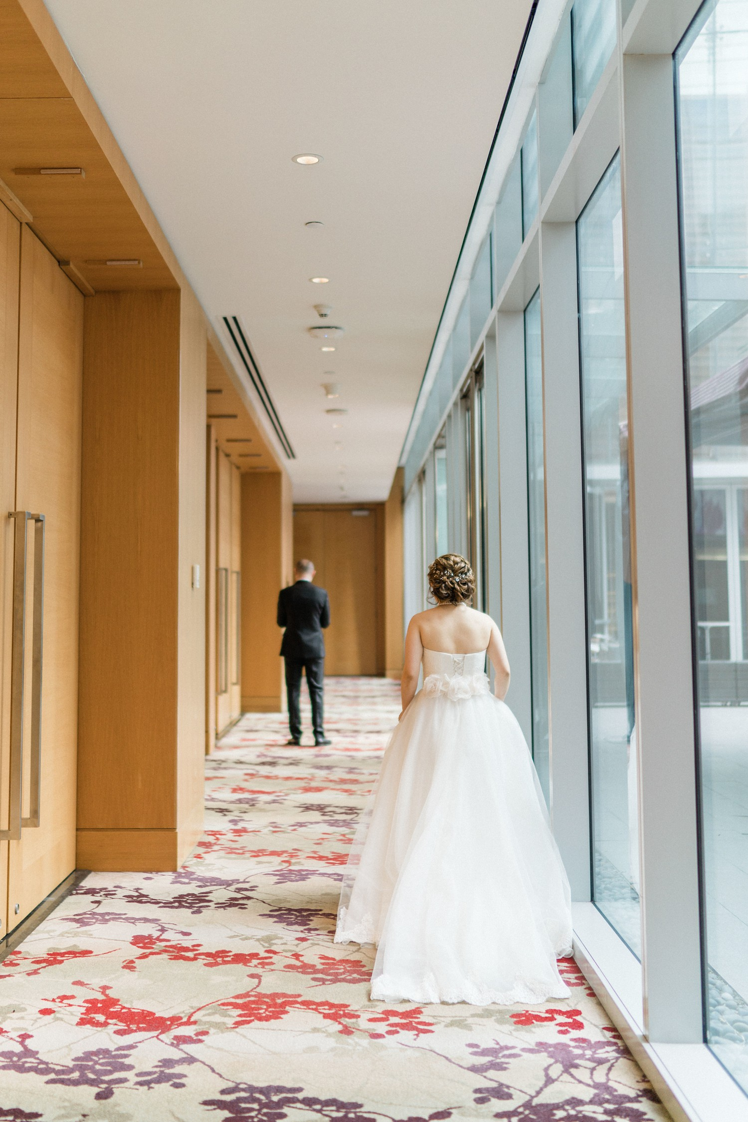 Shangri_La_Hotel_Toronto_Wedding_Photos_with_Samoyed_Puppy